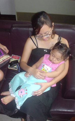 Bangkok: Zhe Zhe Fie and Baby GG