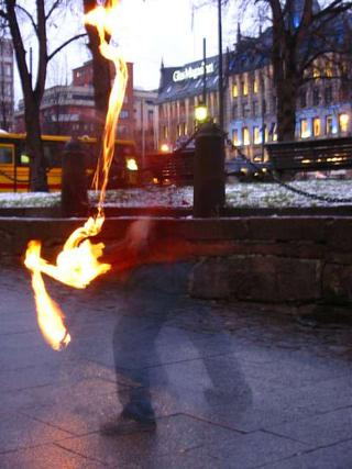 firejuggling guy